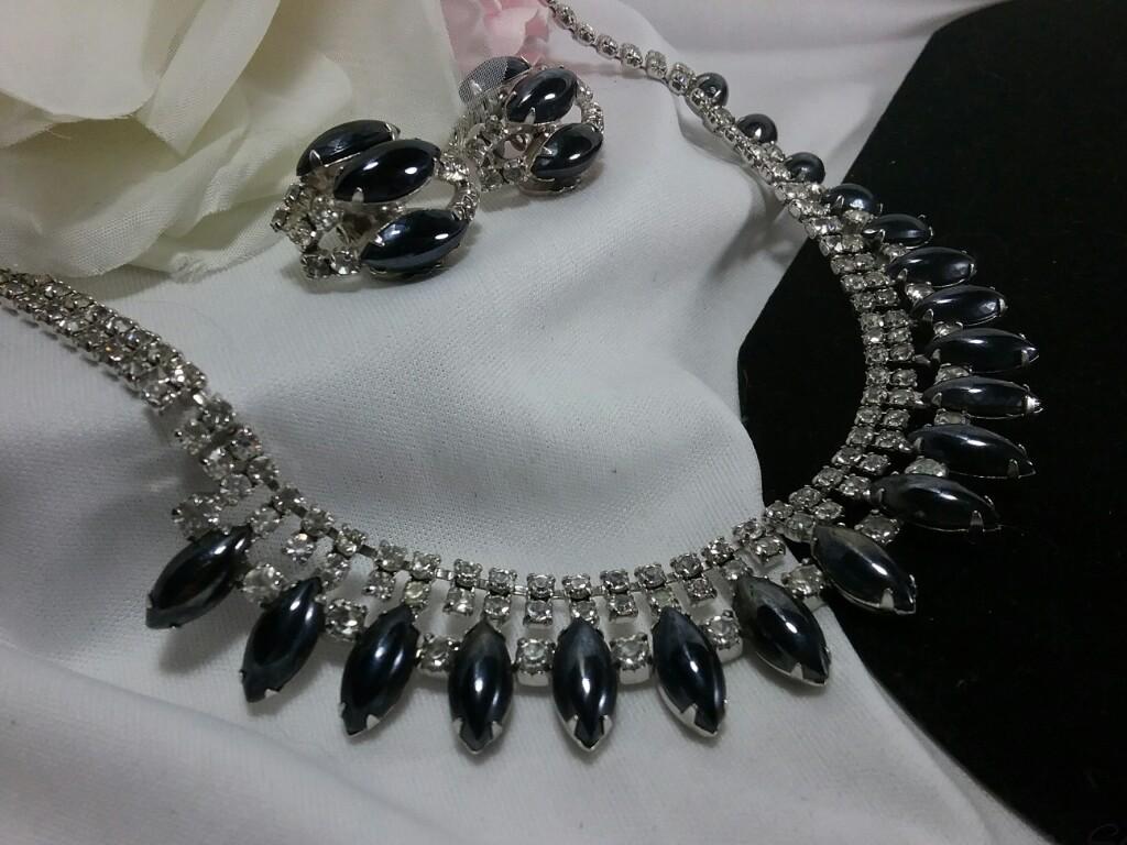 Silver Black Blue Cabochon Rhinestone Earrings Set